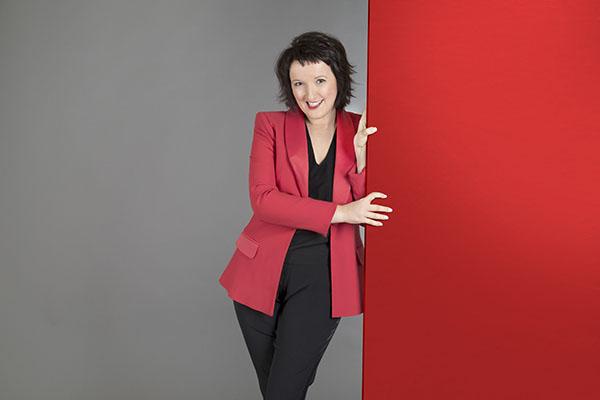 Etonnante Anne Roumanoff