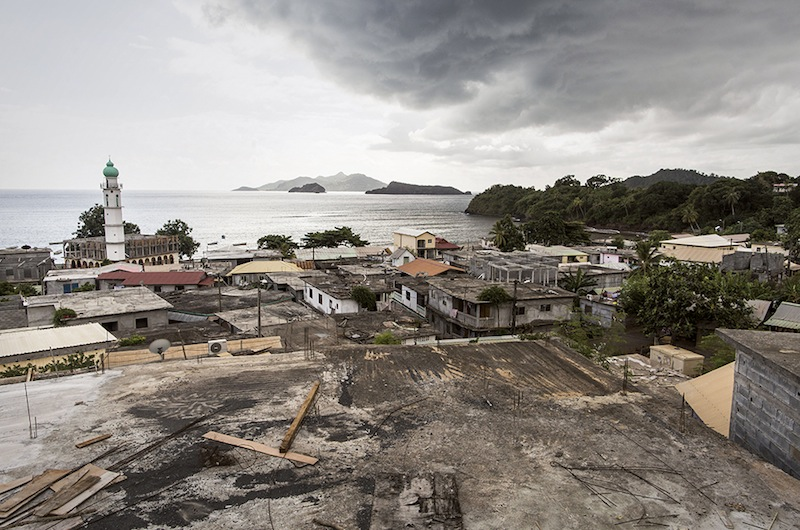 Mayotte : la république piégée