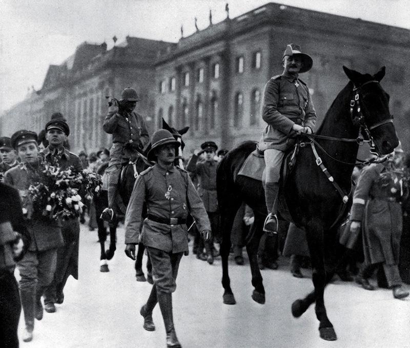 Livre. Heia Safari!Général von Lettow-Vorbeck, du Kilimanjaro aux combats de Berlin (1914-1920)
