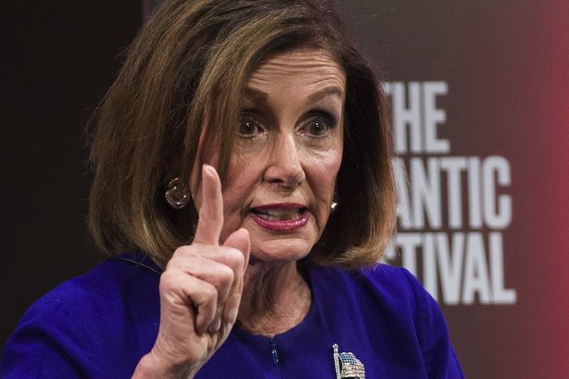 Nancy Pelosi en train de témoigner d'un grand sens de l'État en s'inquiétant qu'un Président américain puisse enquêter sur les prévarications d'un Américain présidentiable. #ParceQueCestPasPareilQuandCestNous