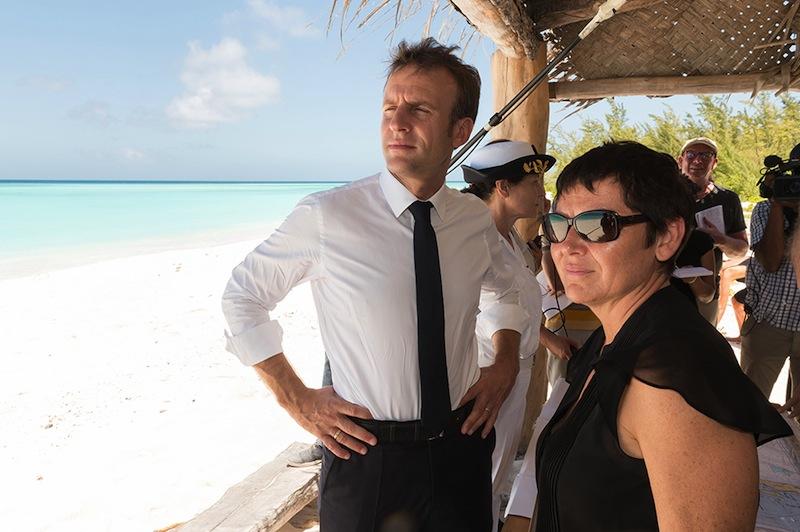 Excellente parodie d'OSS 117 : Ma paillote à Mayotte.  Les avis sont unanimes.