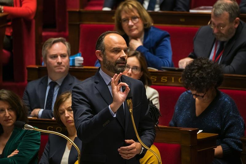 Edouard Philippe témoignant avec force de toute la confiance qu'il a dans la probité de Jean-Paul Delevoye.