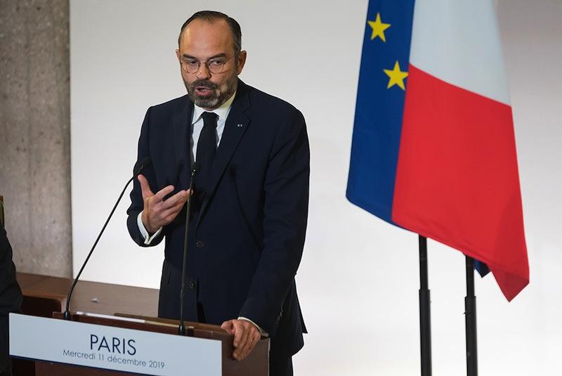 Edouard Philippe témoignant avec force de toute la confiance qu'il a dans la probité d'un autre membre du gouvernement, il ne sait plus lequel, mais il a confiance, en lui comme dans tous les autres.