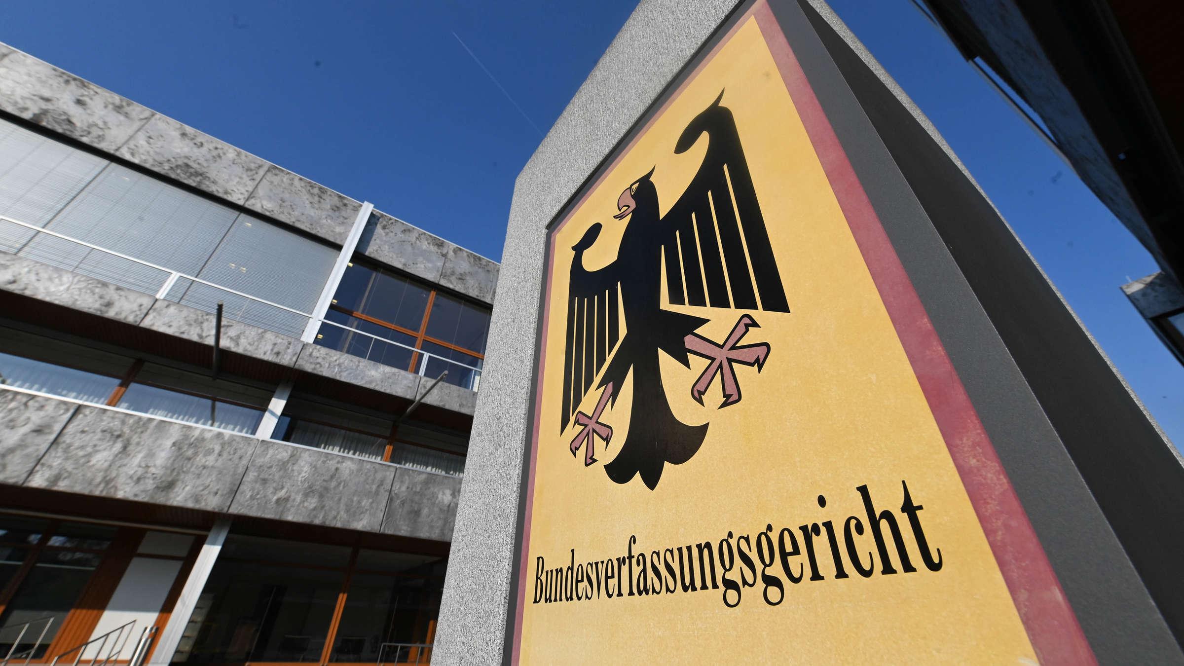Le Covid-19: les droits nationaux et la Cour de Karlsruhe